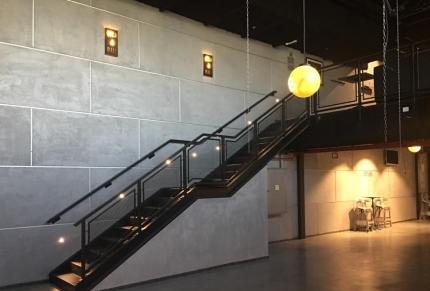 Gold Ball מדרגות